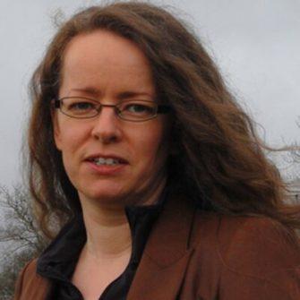 Sophie Dennis headshot