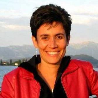 Ilona  Posner headshot
