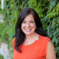 Annalisa Nash Fernandez headshot