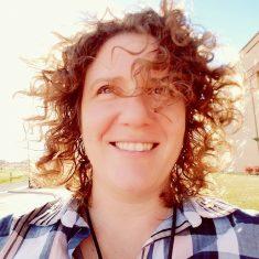 Toni Rosati headshot
