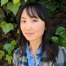 Robyn Hwang headshot