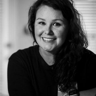 Sarah Hoaglan headshot