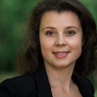 Natalie Luneva headshot