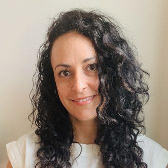 Rachel Posman headshot