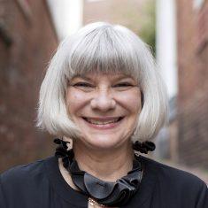 Miriam Gusevich headshot