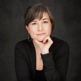 Linda Secondari headshot
